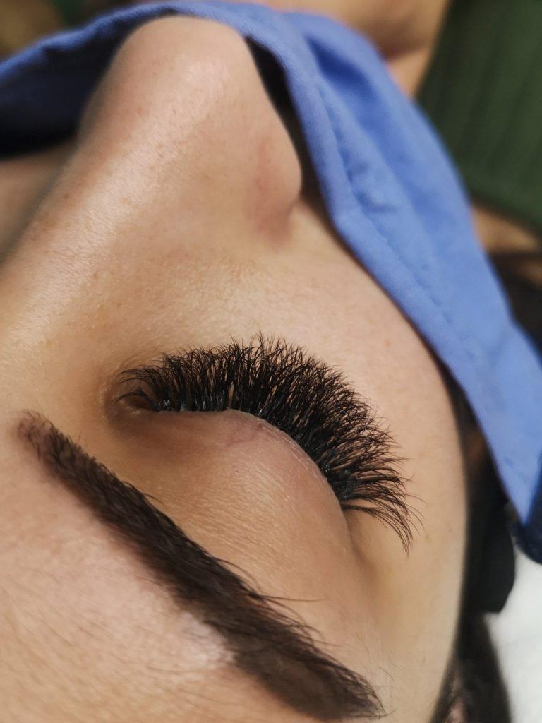 Поставяне на мигли косъм по косъм Пловдив от Студио за красота Пловдив