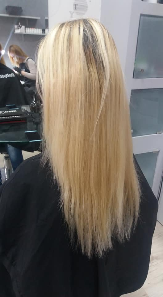 Фризьор и фризьорски услуги Пловдив прически боядисване подстригване маски за коса ампули и терапии за коса